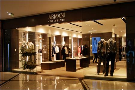 创始人乔治•阿玛尼先生亲自为armani collezioni国购店设计了